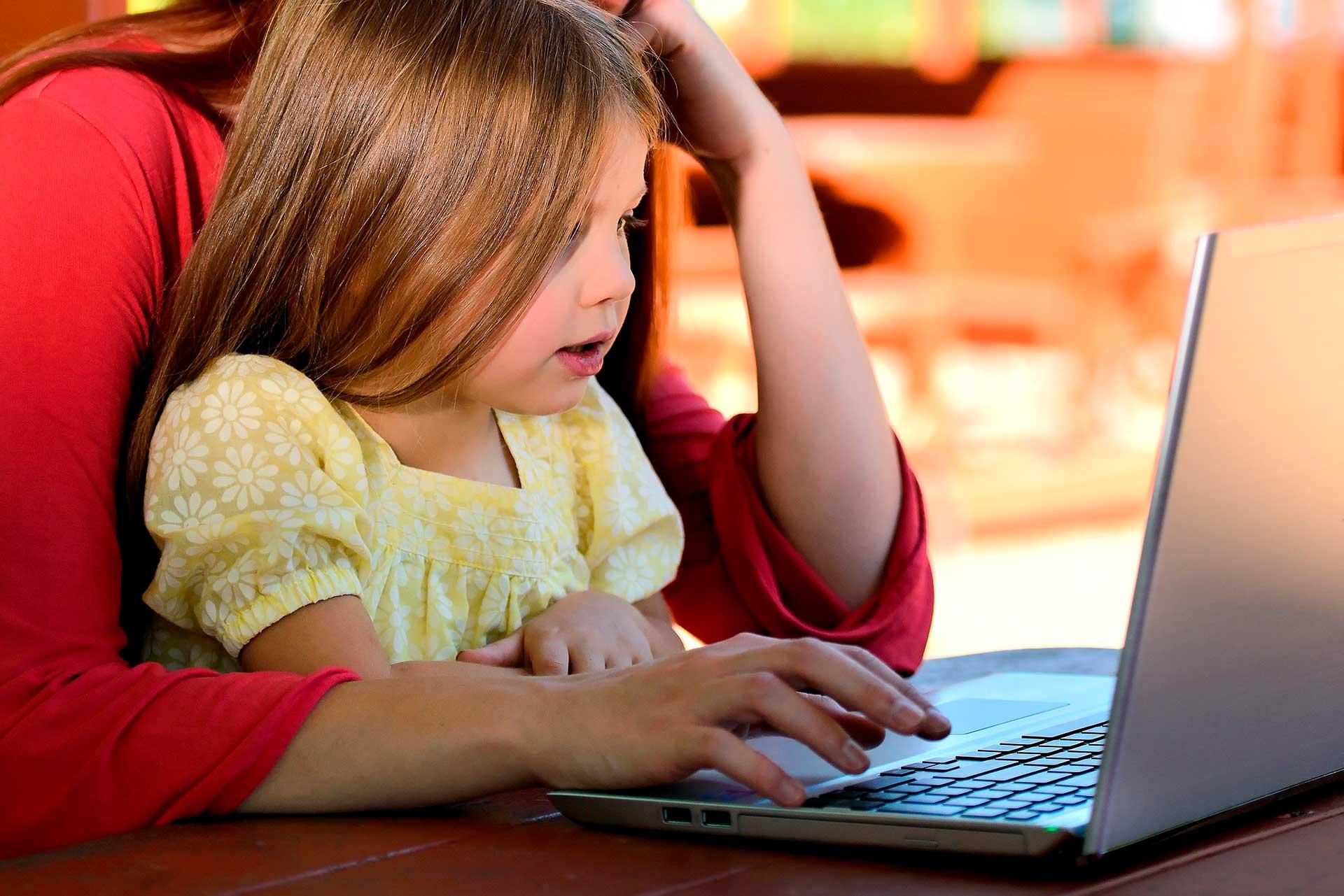 Una niña que quiere aprender a programar