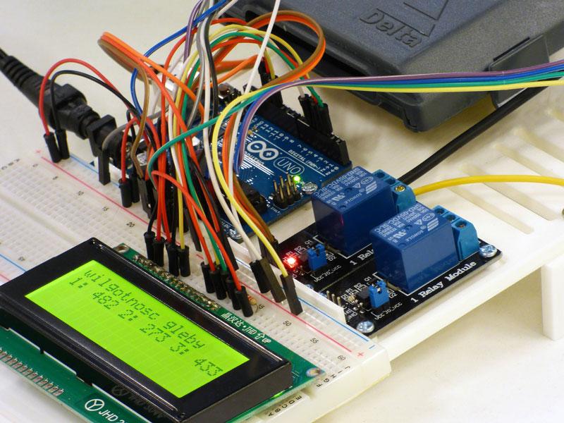 Arduino es una plataforma de hardware libre basada en una placa a partir de la cual se pueden crear objetos electrónicos interactivos